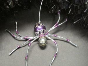 Frightful Wreath beaded spider
